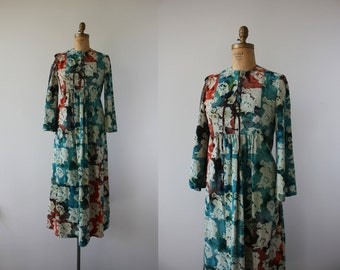 vintage 1970s dress / 70s batik print dress / 70s maxi dress / batik maxi dress / festival dress / boho maxi dress / size medium