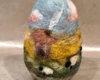 Easter egg, needle felted easter egg, Easter decor, Easter ornament, Waldorf egg, needle felted sheep, wool sheep, wool egg, spring decor