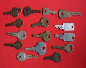 Lot of 15 old and vintage various keys Automobile, lock suitcase keys and more