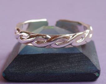 Sterling Silver toe ring braided look