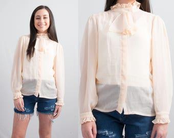 Vintage Crepe Secretary Blouse * Cream Colored Ruffle Collar Long Sleeve Top * Size Medium * FREE SHIPPING