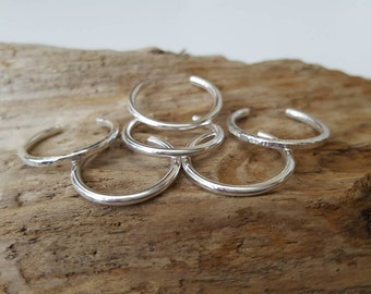Sterling silver Toe ring (one) - Plain, dimple hammered or line hammered or frosted - Summer Jewellery, Toe rings, Body jewellery