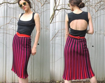 Diane von Furstenberg VINTAGE Knit Pleated Skirt in Red, Black and Fuchsia SIZE SMALL