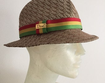 Christian Dior, bucket hat
