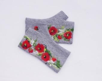 Felted Fingerless Gloves Fingerless Mittens Arm warmers Wristlets Merino Wool Light Gray Poppies