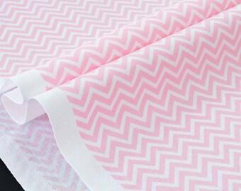 American fabric geometric chevron zig zag white rosy x 50cm