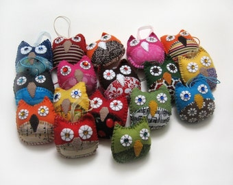 Party Favors 5 Owl Ornaments- Made to Order