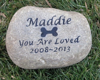 Pet Memorials. Memorial Gifts, Gifts, Pet Loss, Sympathy Gifts, PERSONALIZED, Dog Memorials, Memorial Garden Stone 8-9 Inch