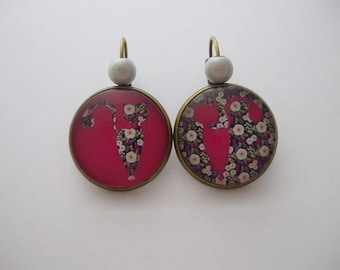 "Sleepers ""Cat flowers"" cabochon earrings Bohemian vintage jewelry flower fuchsia white green leaf bead"