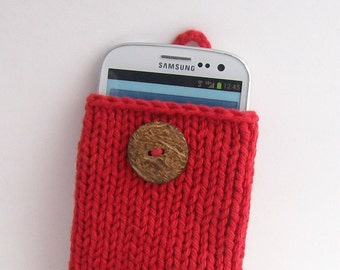 iPhone 5 to 7, Galaxy s3 to s7 Cell Phone Case Cotton knit fabric Red  Handknit Natural Coconut Button Crochet Loop