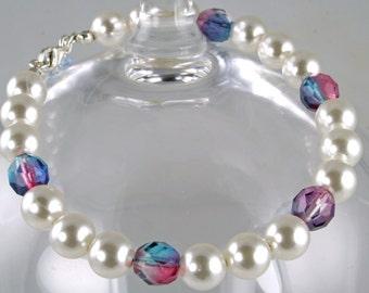 Bettina - Handmade Faux Pearl Bracelet