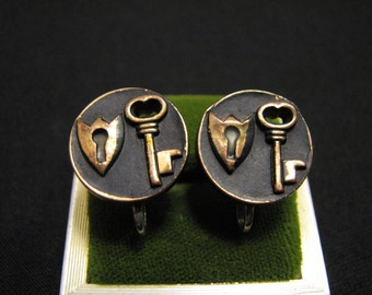 Vintage Round Black Enameled Lock and Key Button Screwback Earrings
