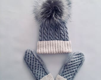 Warm and beautifull set - mittens and hat with pompons
