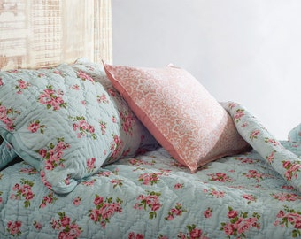 Shabby Chic quilted bedspread, turquoise color, rose print cotton quilt, romantic, 100% cotton, 90X108 inches