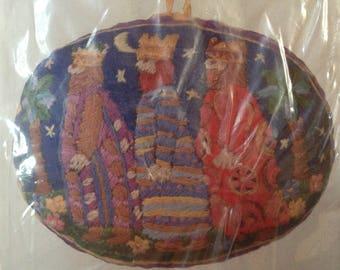Columbia Minerva Hallmark Christmas Ornament Crewel Embroidery Kit 1979 RARE