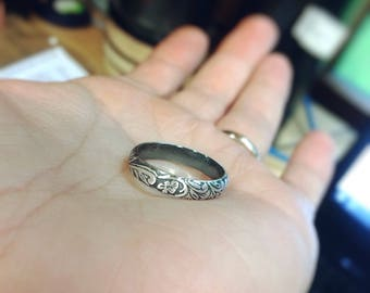 Floral Ring, Floral Band, Vintage Floral Ring, Antique Silver Ring, Simple Wedding Band, Floral Jewelry, Stacking Ring, Thick Floral Ring