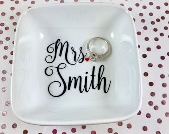 Wedding | Ring Dish | Jewelry Dish | Ring Holder | Personalized Engagement Ring Holder | Engagement Gift | Bridal Shower Gift | Mrs.
