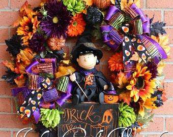 Peanuts Halloween Witch Lucy Wreath, Pumpkin Wreath, Sunflower, Halloween Decor, Trick Or Treat wreath, Door Wreath, Halloween floral