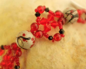 Bracelet inspiration Chinese grey black and Red