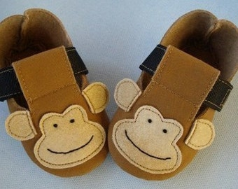 SALE - PDF ePattern - Precious Monkey - Plain Baby Booties - Shoes with Ribbon Strap Sewing Pattern