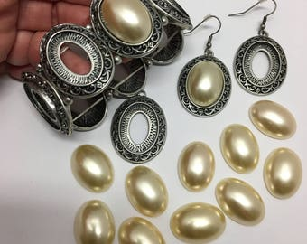 Bracelet, earrings, pendant pearl cabochon