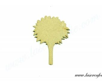 Forme d'un bouquet de fleurs, réalisé en médium, taille 5cm