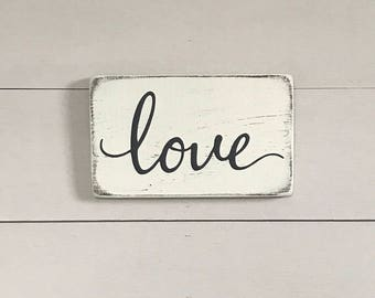 "Small love sign | rustic wood sign | rustic wall decor | 9"" x 5.5"""