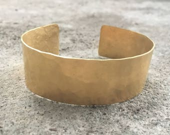 Power Cuff Bracelet Textured, in Brass