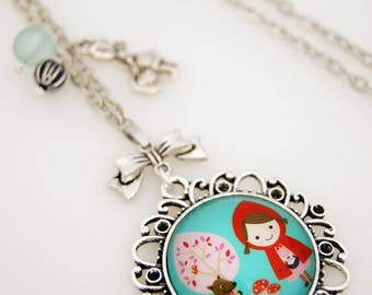 VINTAGE LITTLE RED RIDING HOOD NECKLACE BLUE - SA004 BACKGROUND