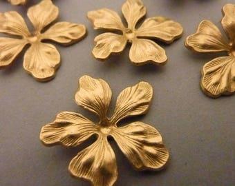 6 Ornate Brass Flower - Detailed