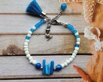 Blue tassel bracelet, blue jewelry, shell bracelet, bohemian jewelry, mermaid bracelet, boho bracelet, beach jewelry, coral bracelet