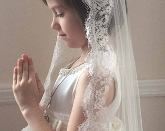 First Holy Communion Veil with lace trim ivory