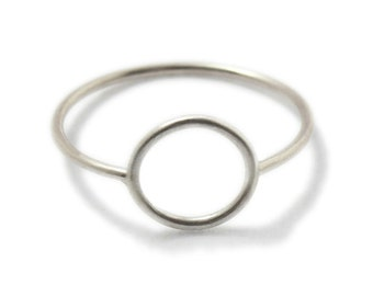 WIRE round - delicate sterling silver ring