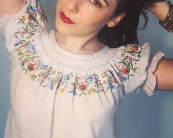 Vintage 70s Embroidered Peasant Blouse