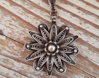 Vintage sterling filigree flower pendant vintage silver flower filigree pendant 10.14g OE2171