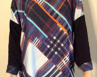 Extra wide flowing printed tunic graphic