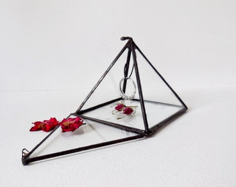 Glass Display Box. Small Jewelry Box. Small Pyramid, Ring Bearer Wedding Ring Box.