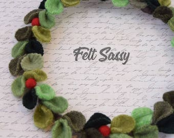 Wire Wreath - Hollyberry Mix - Recycled Wool Sweaters - Felt Sassy