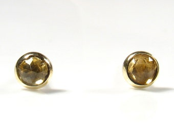 3mm rose cut Citrine, gold stud.