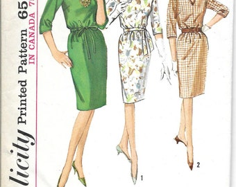 SIMPLICITY 5065  Size 14 Bust 34, Vintage 1960's Shift Dress Drawstring Waist V-neck 3/4 Sleeves Retro Pattern