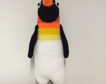 Crochet emperor penguin