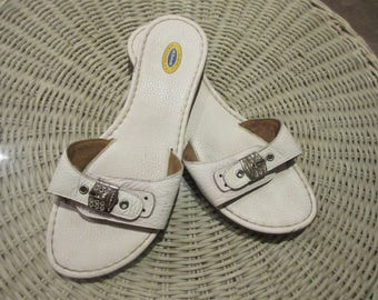 Vintage Dr Scholl's White Leather Sandals with Crystals Sz 9