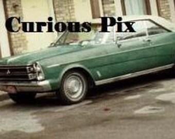 2 Oldtimer Farbe Urlaubsfotos, originelle Schnappschüsse, Oldtimer, Reise, Oldtimer Automobil