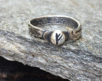 """Fehu """"F"""" Elder Futhark Wealth Rune Ring - Distressed Rustic Oxidized 4mm Sterling Silver Band - Hand Forged Norse Viking Metalwork"""