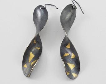 Spiral Ohrringe, Sterling Silber und 24 K Gold Ohrringe, Antiklastisch Keum-Boo Ohrringe, oxidiertes Silber & Gold Ohrringe, Ohrringe