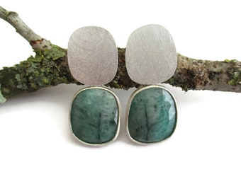 Emerald Silver Earrings, Drop Post Emerald Earrings, Unique Natural Emerald Rose Cut, Original Emerald Earrings, Minimal Emerald Earrings