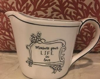 Porcelain measuring cup