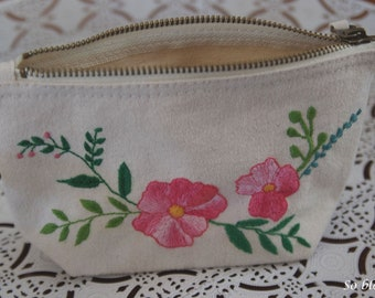 Flowers hand - embroidered personalized embroidered clutch