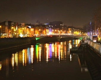 River Liffey, Dublin, Ireland, High-Res Photo Download