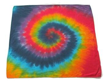 Krawatte Farbstoff Bandana in Regenbogen-Wirbel